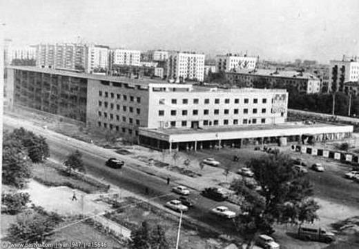 11-й таксомоторный парк был организован в соответствии с распоряжением исполкома Моссовета в июле 1968 года и находился по адресу улица Тимирязевская 2.