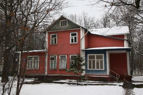 Еще один сохранившийся старинный дом находится по адресу Ивановская, дом 28. В нем находятся несколько фирм.