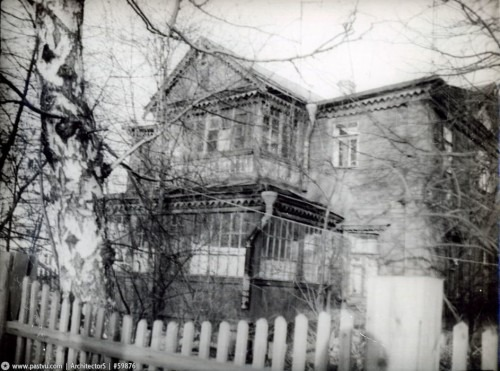 Рядом располагалась дача Туркина (Ивановская улица у дома №16).
