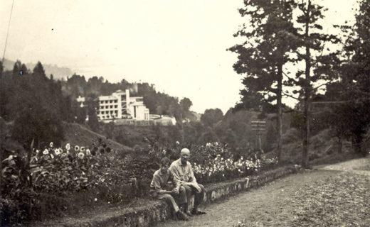 Борис с отцом, Виктором Дмитриевичем Виноградовым в 1936 году