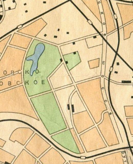 Карты советского периода, призванные дезориентировать противника, отличаются схематичностью и искаженными пропорциями. На карте 1957 года нет ни одного названия улицы, но уже есть платформа Гражданская.