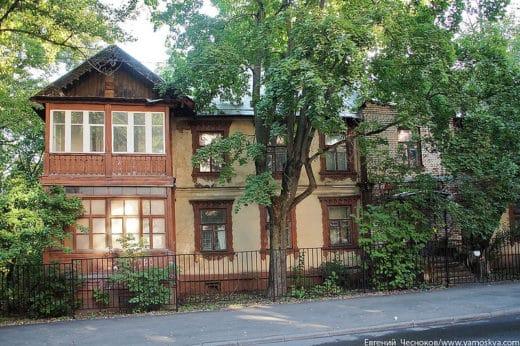 Тимирязевский проезд, 4. Жилой дом преподавателей построен в 1870-е годы. Дом профессора Кулагина.