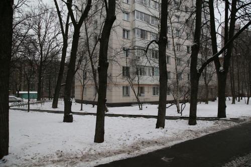 Напротив стояла дача Коверау (Ивановская улица, №22), красивый дом в стиле модерн.