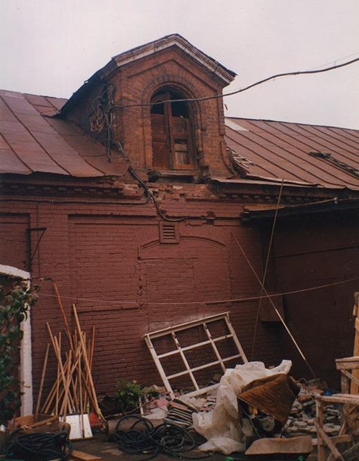 Тимирязевская улица 56. Двор бывшего Пожарного депо. Конюшня