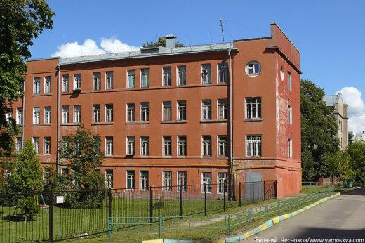В 1920-е годы Шервинский осуществил около 20 проектов квартирных домов для рабочих и служащих, в том числе рабочее общежитие (Красностуденческий проезд, 9) и общежития Тимирязевской академии на Лиственничной аллее.