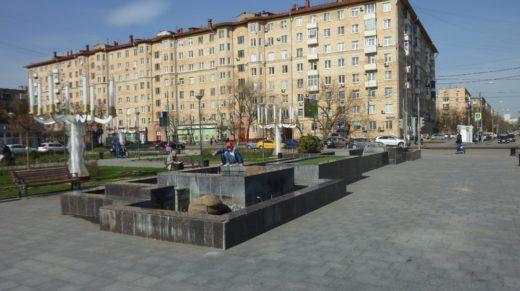 Сегодня в торжественной обстановке правительство Москвы открыло сезон фонтанов. Только этот праздник почему-то обошел Тимирязевскую улицу.